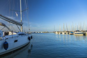 Sailboat, powerboat, and PWC sales can all get a boost with live chat from BoatChat